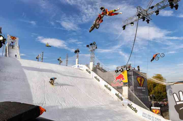 freestyle-ch-2013-Best-Crossover-ski-snowboard-motocross-bike