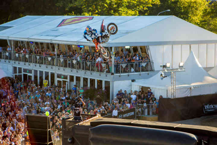 freestyle-ch-2013-Best-Slomos-ski-snowboard-motocross-bike-MathieuRebeaud