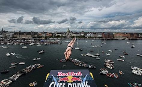 freestyleextremenet-cliff-diving-2018-copenhagen-skyline