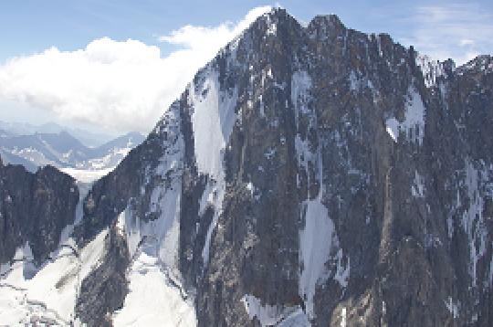 freestyleextremenet-climbing-grandes-jorasses-mont-blanc