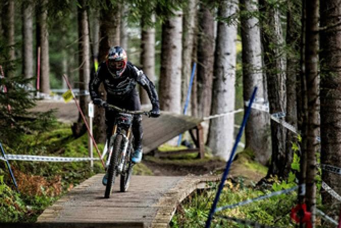 extremefreestyle-bike-MTB-downhilll-Crankworx-Innsbruck-2020
