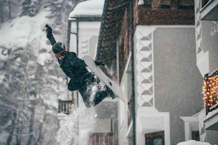 freestyleextreme-snowboard-freeski-Engadinsnow-2021-freestyle